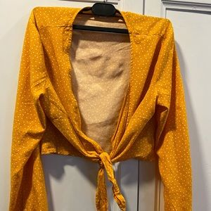Garage crop tie front blouse size small